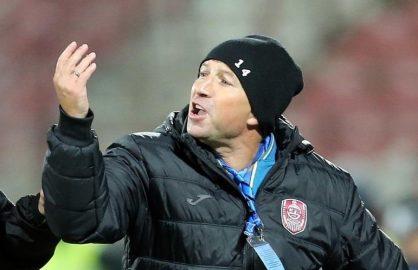 Ii prieste! De cand o antreneaza pe CFR Cluj, Dan Petrescu s-a lasat de injurat!