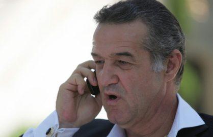 """Gigi Becali a pus mana pe telefon: """"Il vreau pe antrenorul de la Poli Iasi!"""""""